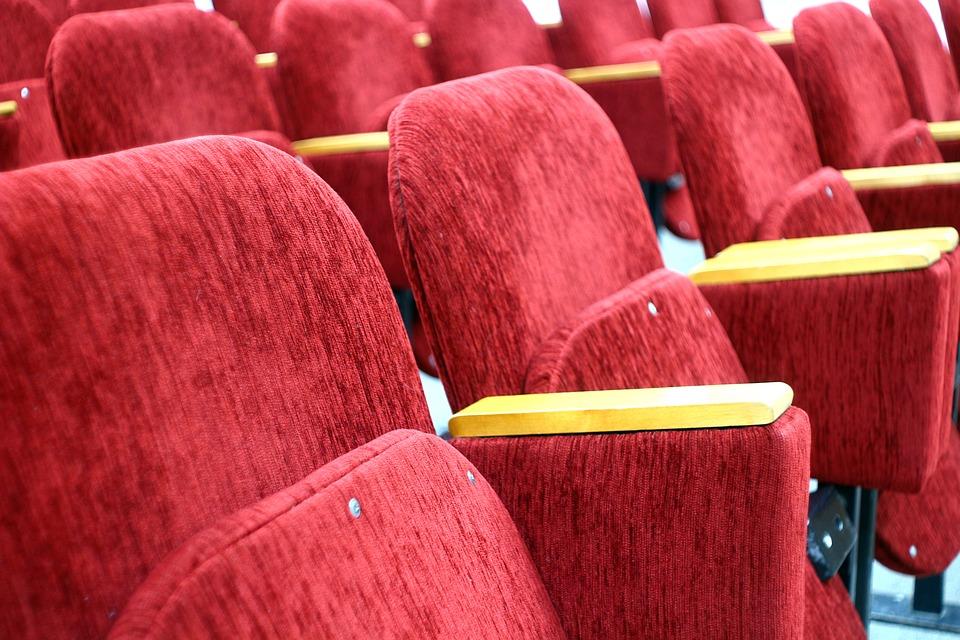 Prečo chodiť do divadla